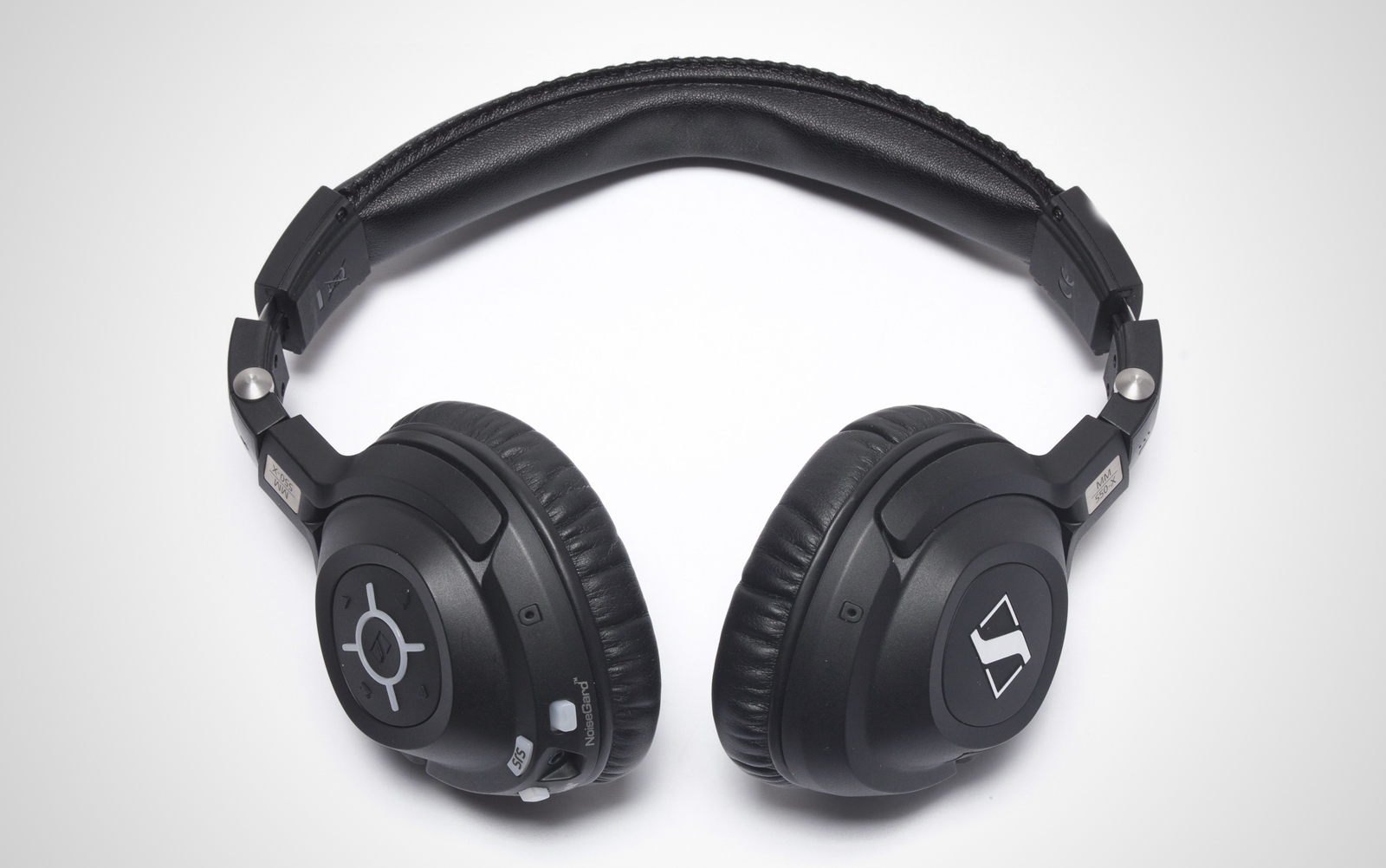 Sennheiser-MM-550-X-travel_01
